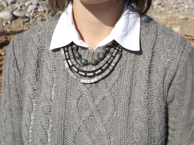 collar-gris